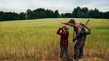 Jäger mit Kind
